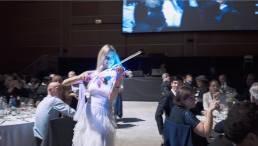 intrattenimento di una violinista durante l'evento
