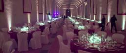 tavoli pronti per la sera