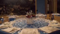 tavola apparecchiata per evento